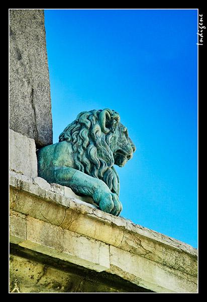 La statue du lion