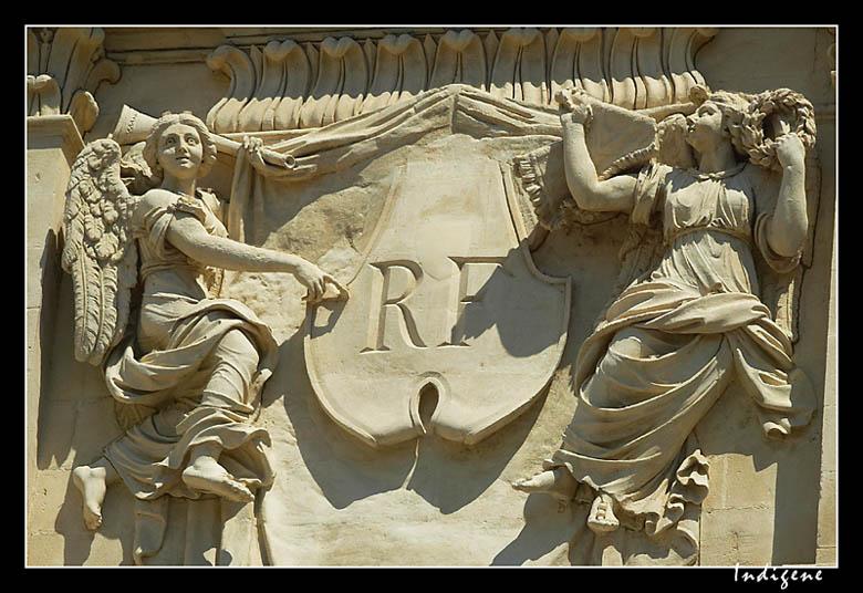 Sculptures de la mairie