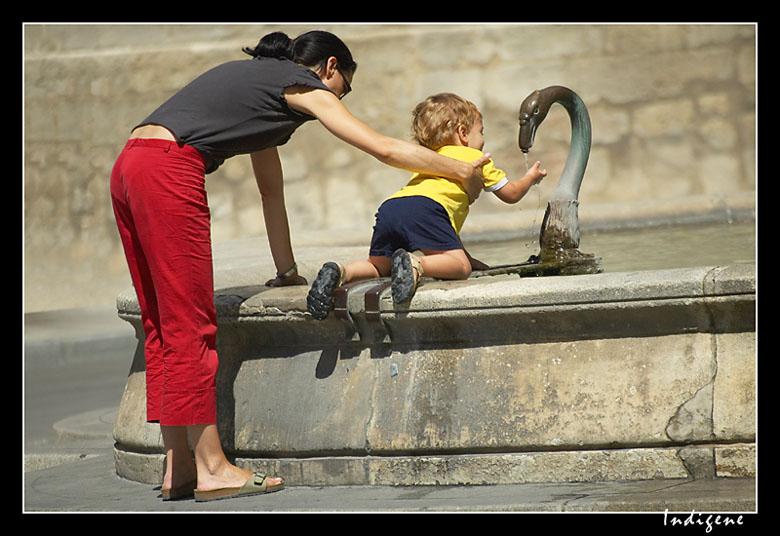 Garçonnet à la fontaine