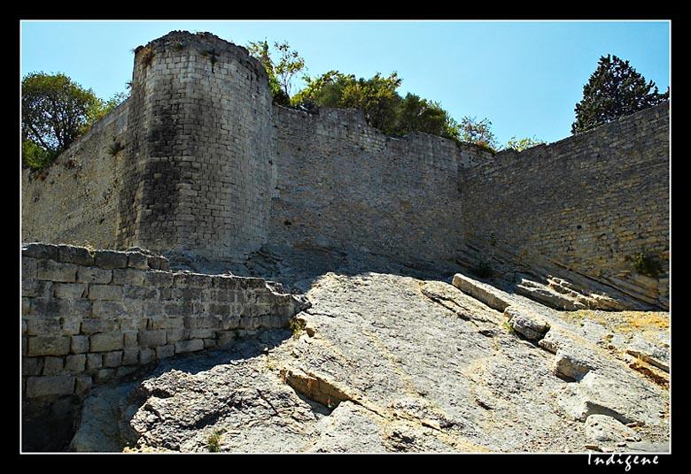 Les remparts de Arles