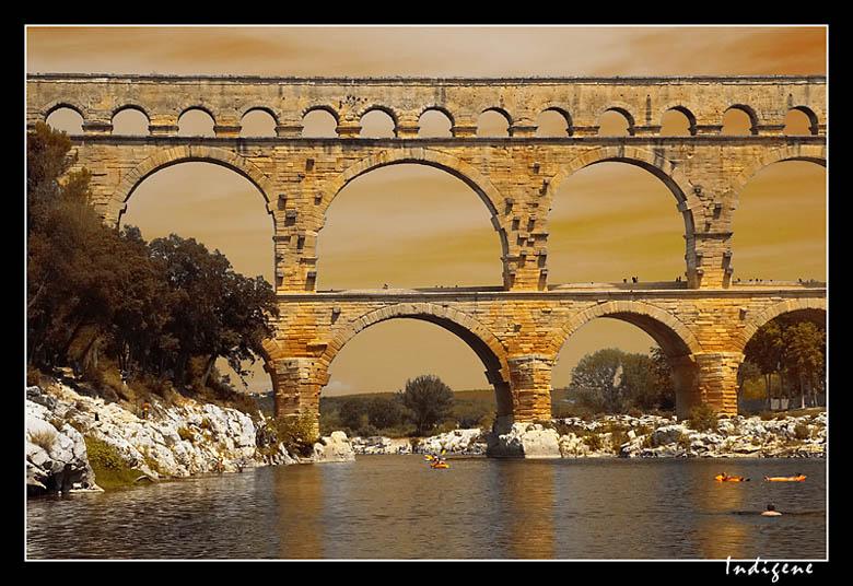 La pierre dorée du Pont du Gard