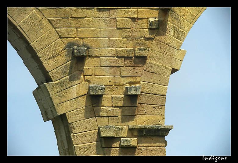 Les arches du Pont du Gard