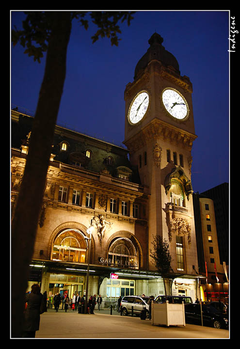 l 39 horloge de la gare de lyon le beffroi la tour de l. Black Bedroom Furniture Sets. Home Design Ideas