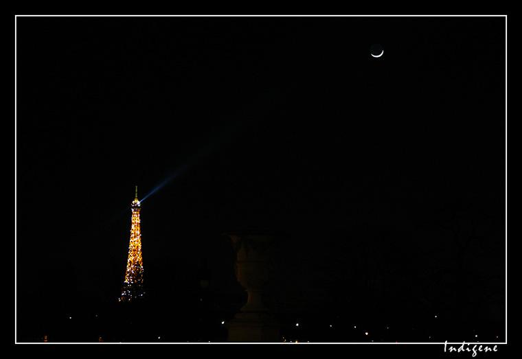 La Lune et la Tour Eiffel