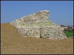photo Rond Point avec une représentation de la Roche de Solutré