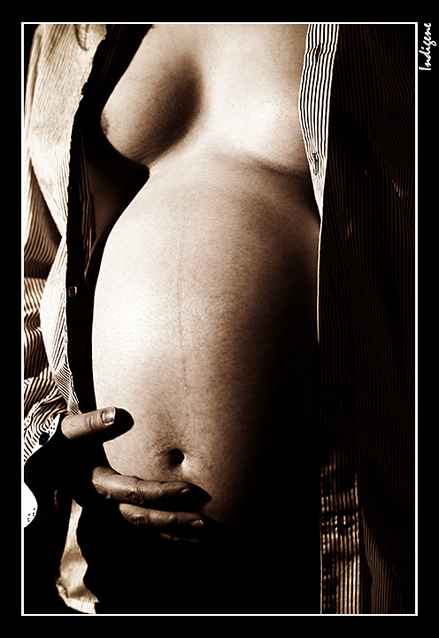 Corps femme enceinte