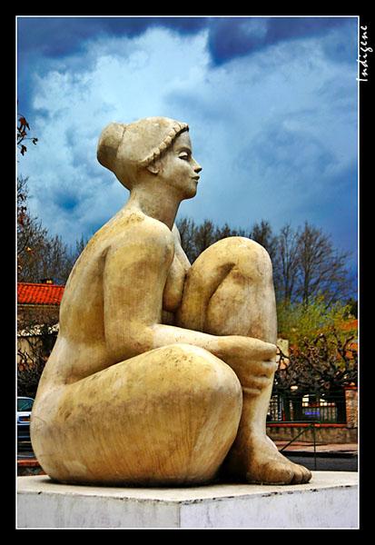 La femme assise à Thuir