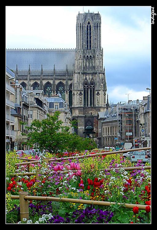 La cathédrale de Reims avant le tramway