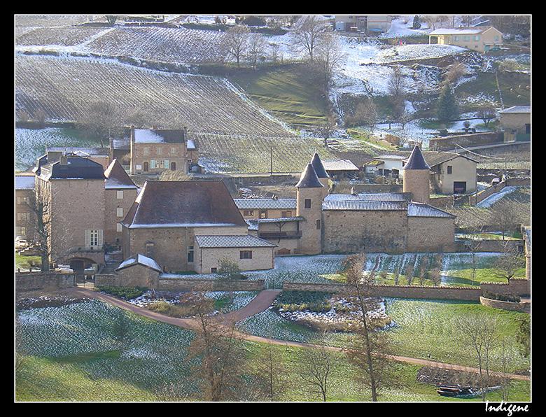 Château de Chasselas sous la neige