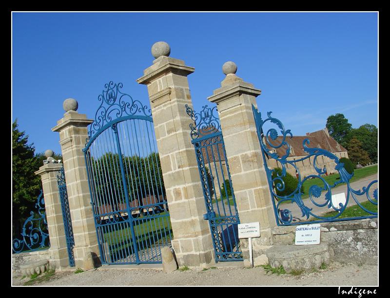 L'entrée du château de Sully