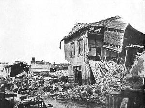 Maison détruite par l'inondation