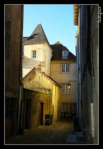 Une ruelle à Autun